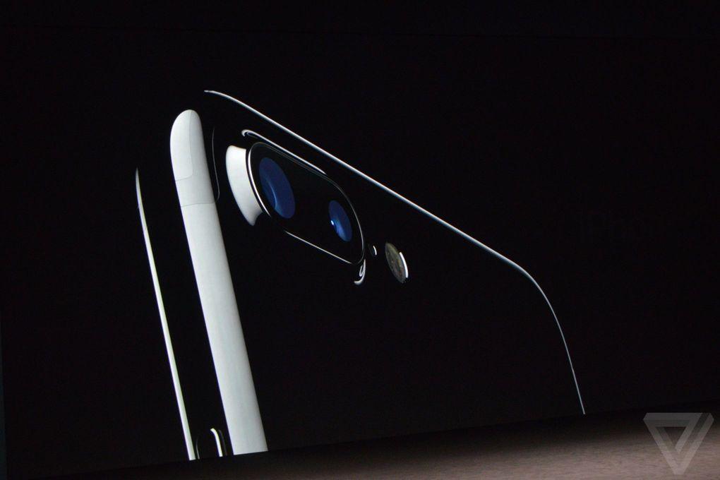 iPhone 7: i preordini su T-Mobile 4 volte maggiori del lancio di iPhone 6